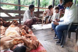 मंडी: 1 साल से बिस्तर पर हैं मीने राम, उपचार करवाने में परिजन लाचार, लगाई मदद की गुहार