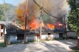 मंडी: लकड़ी डिपो के कार्यालय में लगी आग, रिकॉर्ड और अन्य सामान जलकर राख