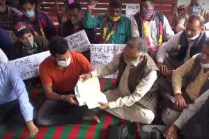 करुणामूल्क आश्रितों से मिलने पहुंचे राजन सुशांत, CM को बताया अनुभवहीन और दिशाहीन